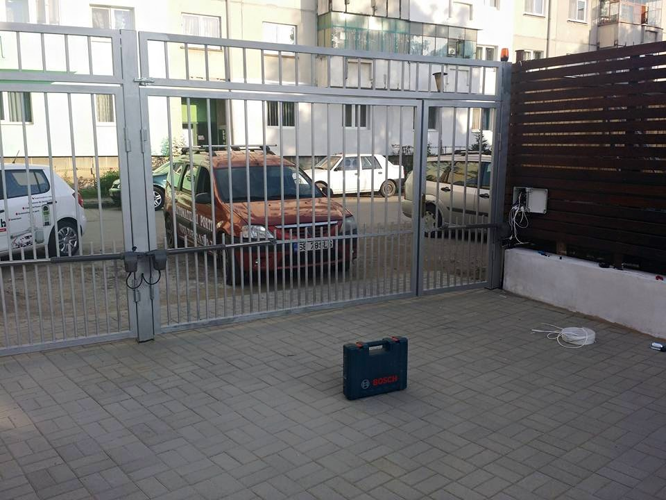 Instalare poarta batanta in Sibiu 2 porti / 4 canate